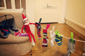 elf on the shelf washing line